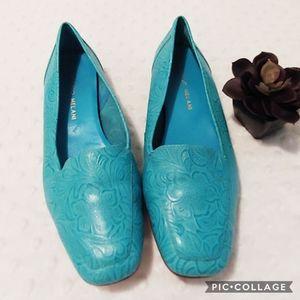 Antonio Melani Teal Loafers Leather Size 6